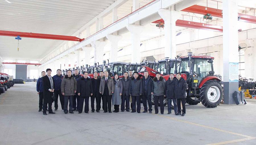 潍坊泰山拖拉机厂